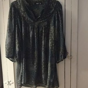 a.n.a Tunic sheer 3/4 sleeves.size XL